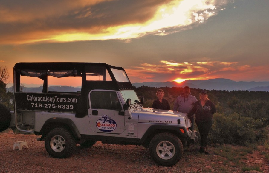 3-people-on-Sunset-Silver-jeep-Royal-Gorge